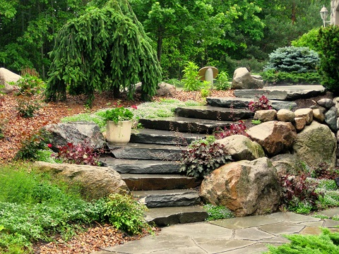 Bluestone with Boulders_Everetts Landscape Management