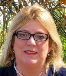 Debbie Drummond headshot